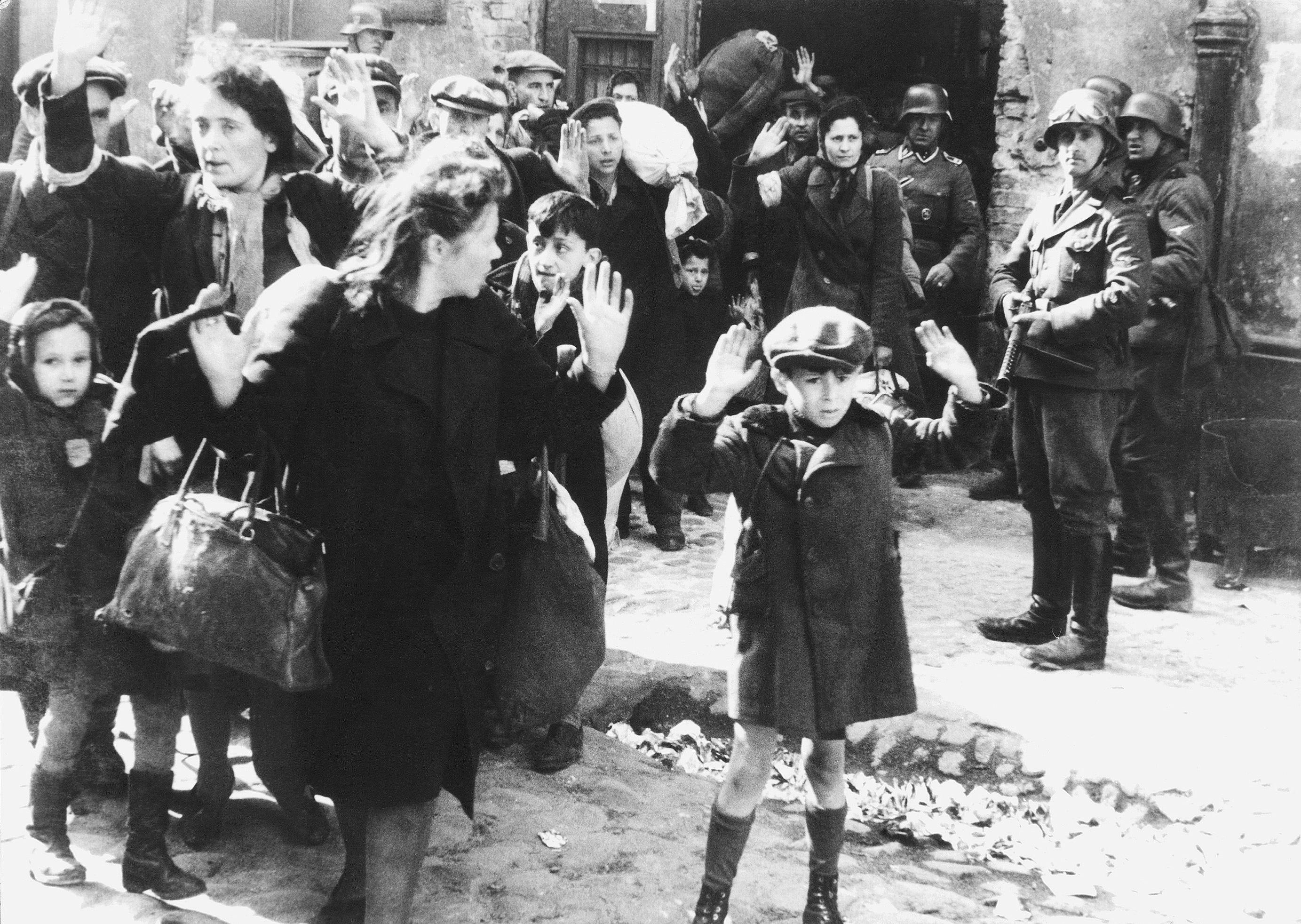 Heroism in Hell: The Warsaw Ghetto Uprising
