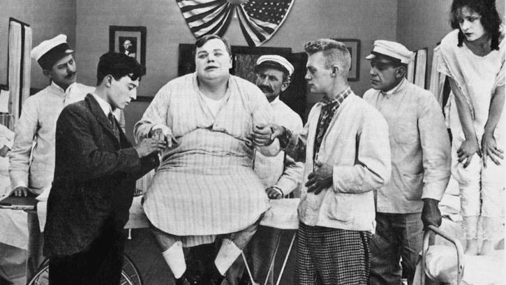 Fatty à la clinique (Good night, Nurse, Roscoe Arbuckle, 1918)